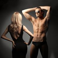 Femeile si barbatii, aproape la fel de exhibitionisti