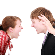 Apele tulburi ale copilariei, reflectate in dramele de cuplu