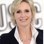 Un altfel de divort: actrita Jane Lynch divorteaza de sotie