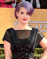 Kelly Osbourne s-a logodit