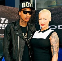 Wiz Khalifa si Amber Rose au devenit oficial sot si sotie