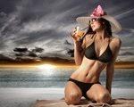 Fii seducatoare pe plaja! Cum iti alegi costumul de baie ideal?