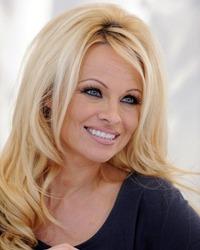 Pamela Anderson, din nou in bratele fostului sot