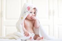 Cum se ingrijeste corect un bebelus?