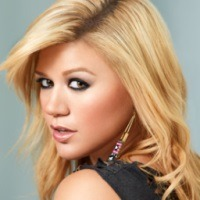 Kelly Clarkson s-a casatorit