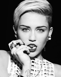 Miley Cyrus, ofertata de o companie de filme XXX cu un milion de dolari