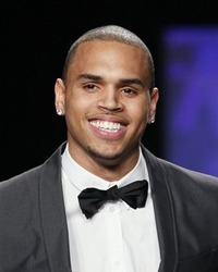 Chris Brown si-a pierdut virginitatea la opt ani