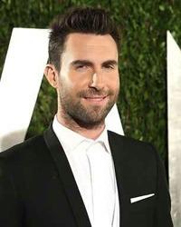 Adam Levine a fost desemnat cel mai sexy barbat din lume al anului 2013