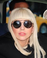 Lady Gaga, parasita de iubitul ei