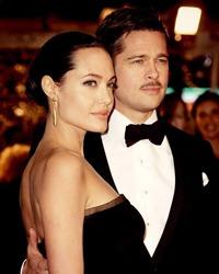 Angelina Jolie si Brad Pitt vor organiza 4 ceremonii de nunta