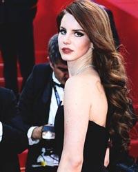 Lana del Rey se pregateste de nunta!