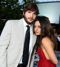 Mila Kunis si Ashton Kutcher vor deveni parinti