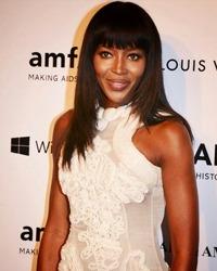 Naomi Campbell se iubeste cu actorul Michael Fassbender