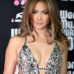 Jennifer Lopez s-a despartit de iubitul ei, Casper Smart