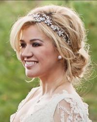 Kelly Clarkson a devenit mamica pentru prima oara