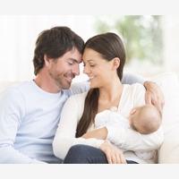 Femeia, intre statutul de femeie si cel de mama