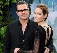 Angelina Jolie si Brad Pitt s-au casatorit