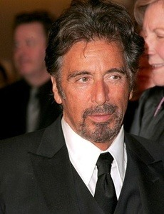 Al Pacino isi duce iubita la altar?
