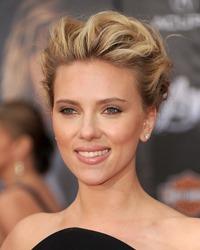 Scarlett Johansson a nascut o fetita