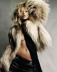 Sanii lui Kate Moss, model pentru o cupa de sampanie
