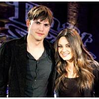 Mila Kunis si Ashton Kutcher au devenit parinti