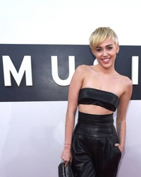 Miley Cyrus se iubeste cu Patrick Schwarzenegger