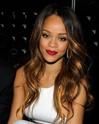 Rihanna, pictorial topless