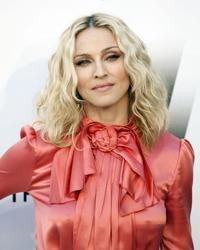 Madonna, pictorial topless la 56 de ani