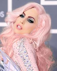 Lady Gaga a dezvaluit ca a fost violata la 19 ani