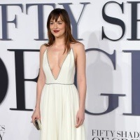 Dakota Johnson s-a despartit de iubit