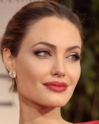 Angelina Jolie si-a extirpat ovarele