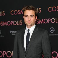 Robert Pattinson s-a logodit