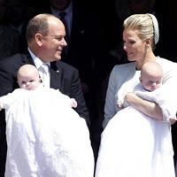 Printul Albert al II-lea de Monaco si Printesa Charlene si-au botezat gemenii