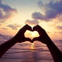 Dragostea si gura lumii. Conteaza parerea celorlalti cand ai intalnit iubirea?