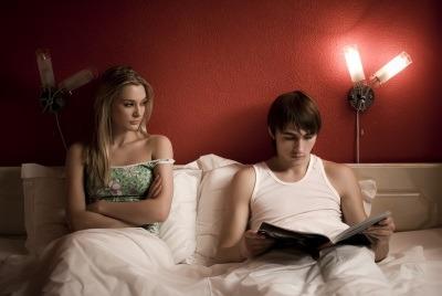 Relatie plictisitoare? Afla motivele pentru care o relatie poate deveni plictisitoare