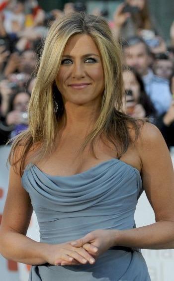 Jennifer Aniston, insarcinata cu gemeni