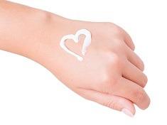 Iata ce spun mainile despre viata ta amoroasa!