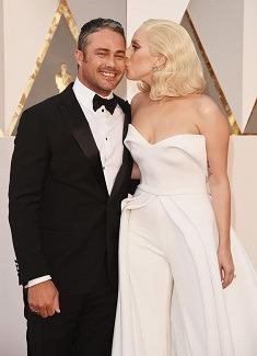 Lady Gaga si Taylor Kinney s-au despartit