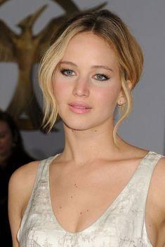 Jennifer Lawrence ocupa primul loc in topul Forbes al celor mai bine platite actrite
