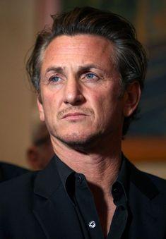 Sean Penn are o noua iubita! Cine este femeia cu 32 de ani mai tanara?