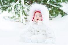 Plimbarea bebelusului pe timp de iarna − ce reguli trebuie sa respecti