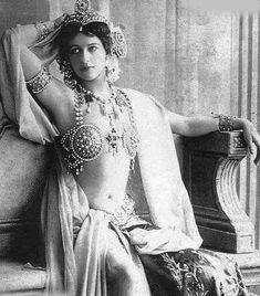 Scandalul sexual Mata Hari