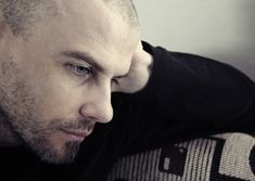 Stima de sine scazuta afecteaza viata amoroasa? Aflati raspunsul