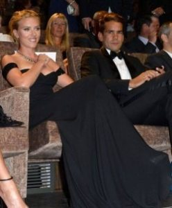 Scarlett Johansson divorteaza