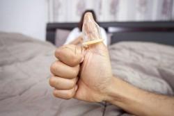 De ce nu suporta barbatii prezervativul?