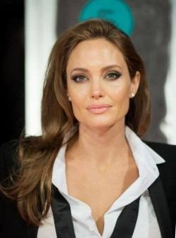 Angelina Jolie, primul interviu dupa divortul de Brad Pitt