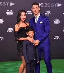 Cristiano Ronaldo va fi tatic de gemeni