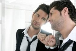 Semne ca esti in relatie cu un narcisist