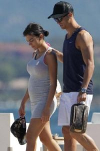 Cristiano Ronaldo a confirmat ca va fi tata pentru a patra oara
