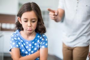 Cum sa reactionezi cand copilul greseste